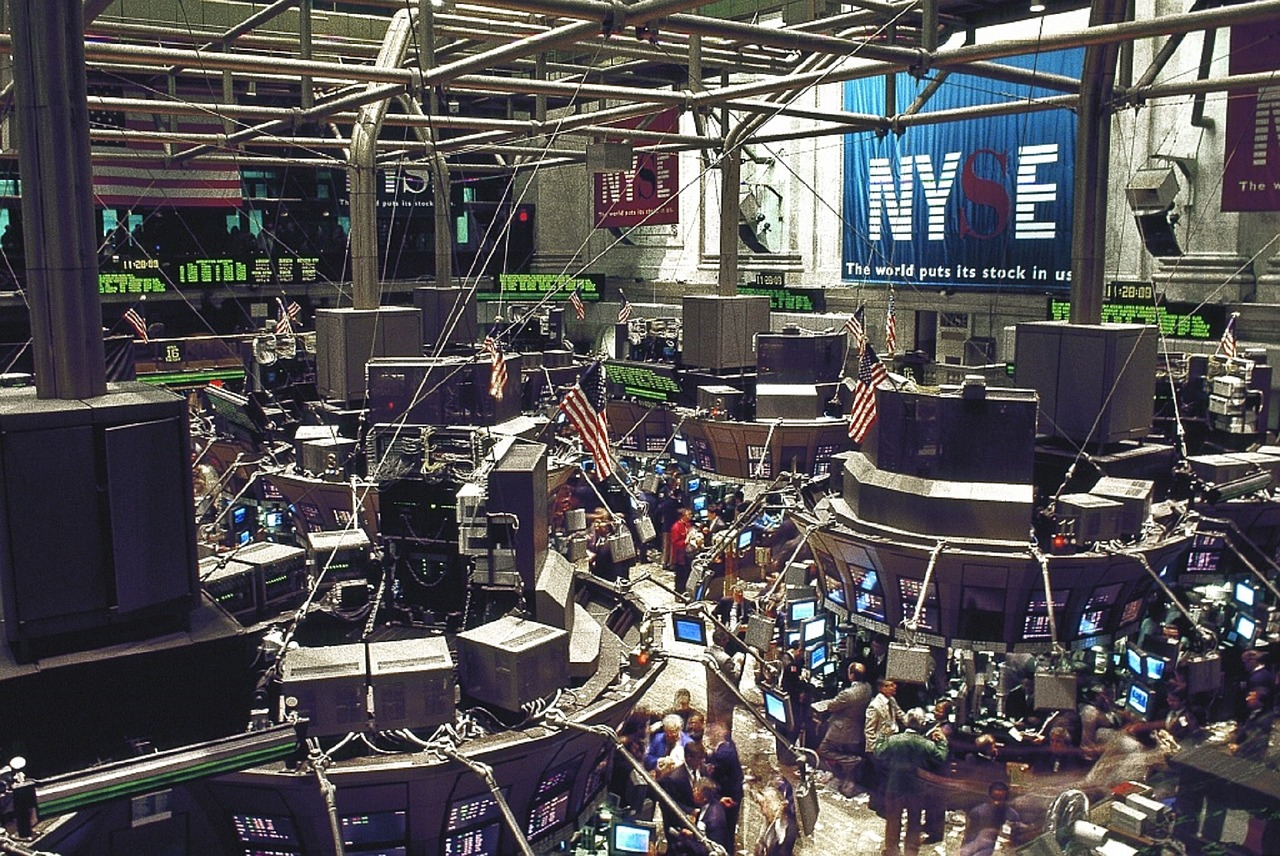Stock Market is getting down post thumbnail image